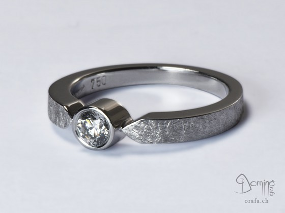 anello-solitario-diamante