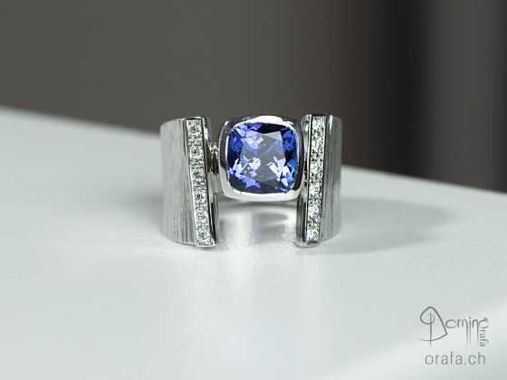 anello-di-tanzanite-diamanti1