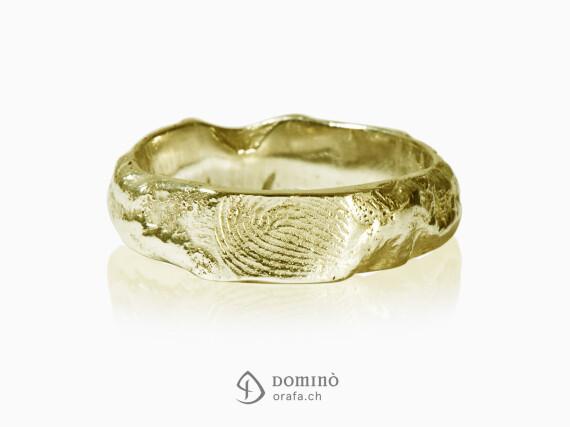 anelli-impronte-roccia-oro-giallo