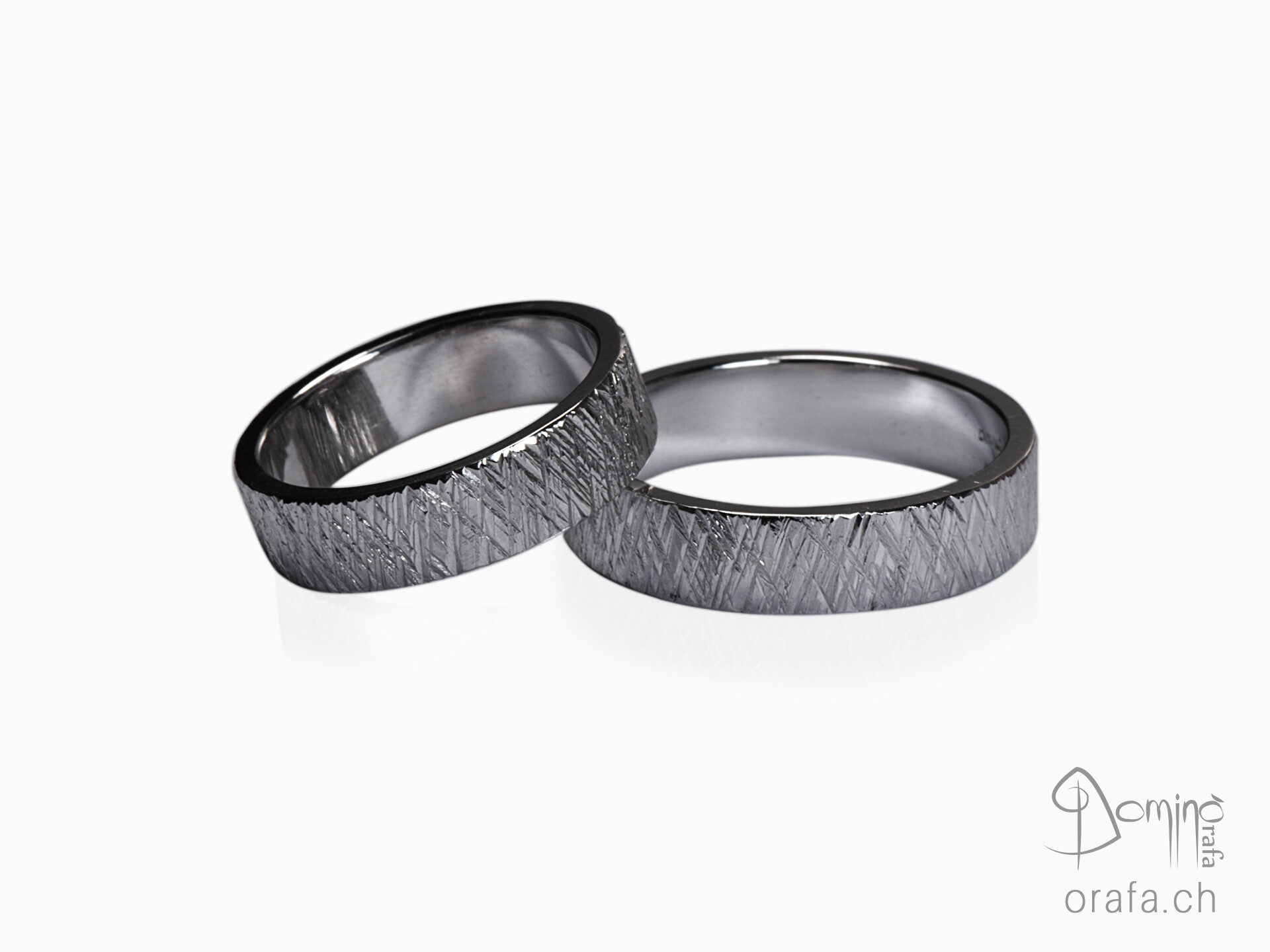 anelli-linee-incrociate-dritte-rodiato-nero-1