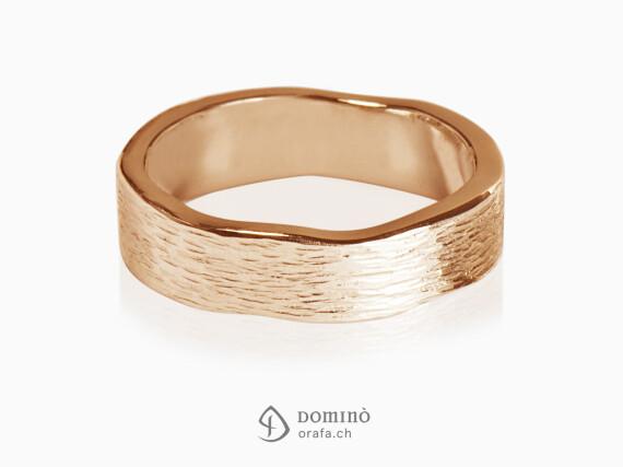 anelli-linee-verticali-bordi-irregolari-oro-rosso