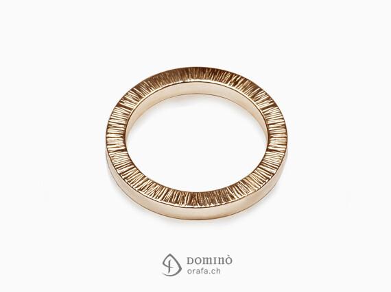 anelli-quadrati-bordo-linee-oro-rosso