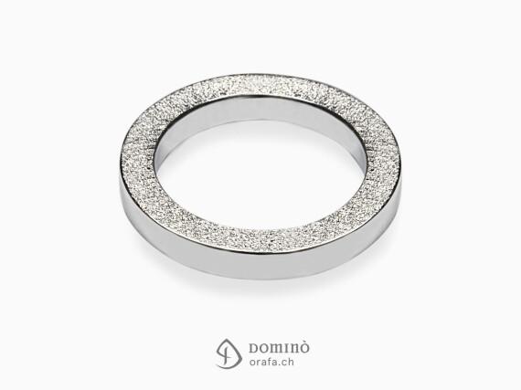 anelli-quadrati-bordo-sabbiato-oro-bianco