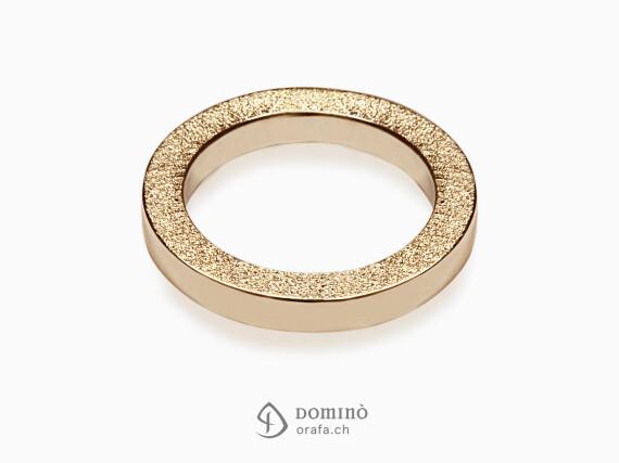 anelli-quadrati-bordo-sabbiato-oro-rosso