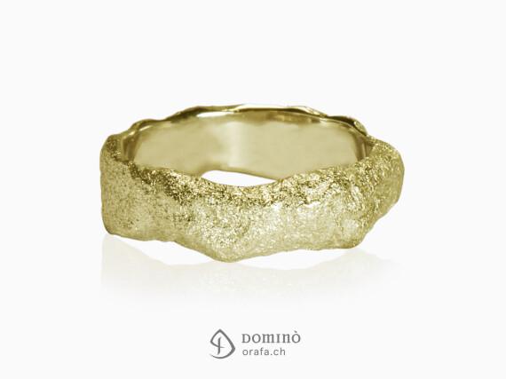 anelli-roccia-sabbiati-oro-giallo