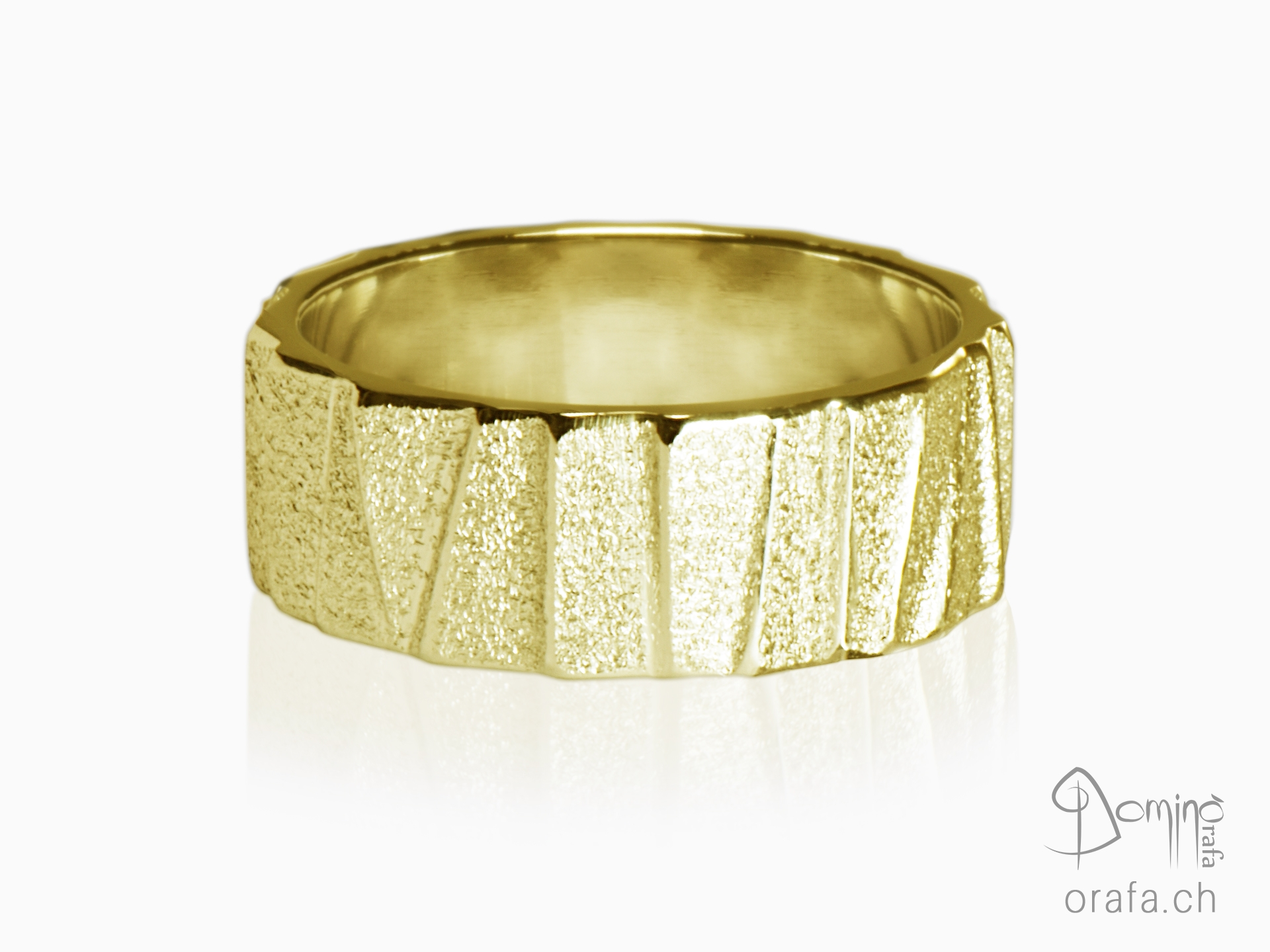 anelli-scalini-irregolari-sabbiati-oro-giallo