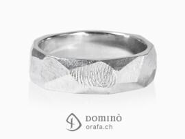 anelli-sfaccettati-finitura-grezza-impronte-oro-bianco