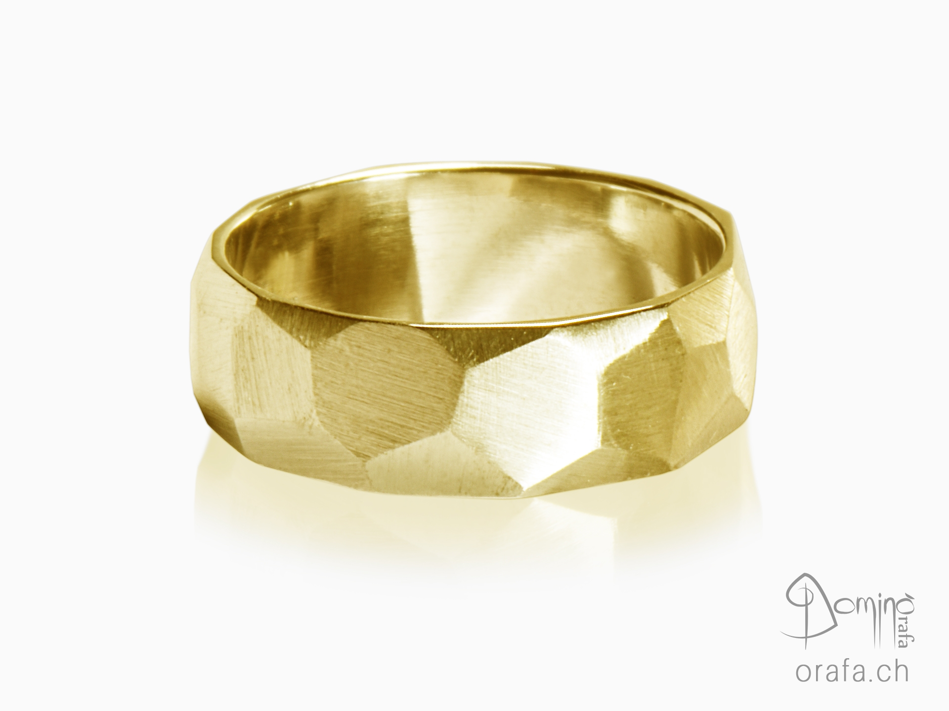 Sfaccettato satin ring
