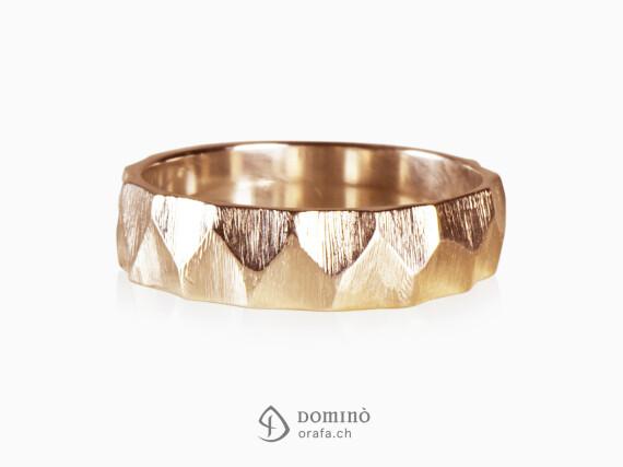 anelli-sfaccettati-zig-zag-finitura-grezza-oro-rosso
