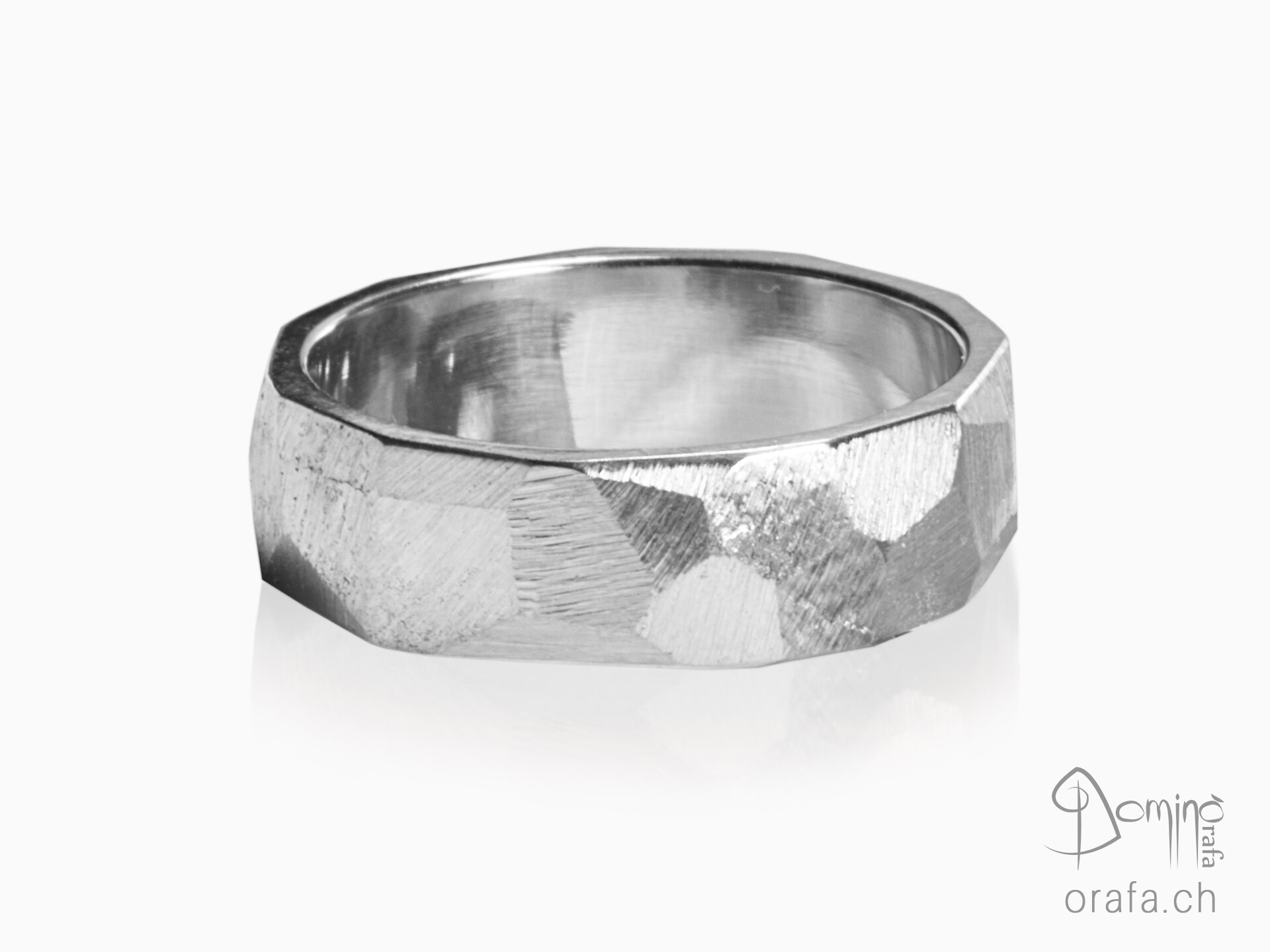 anelli-sfaccettati-oro-bianco
