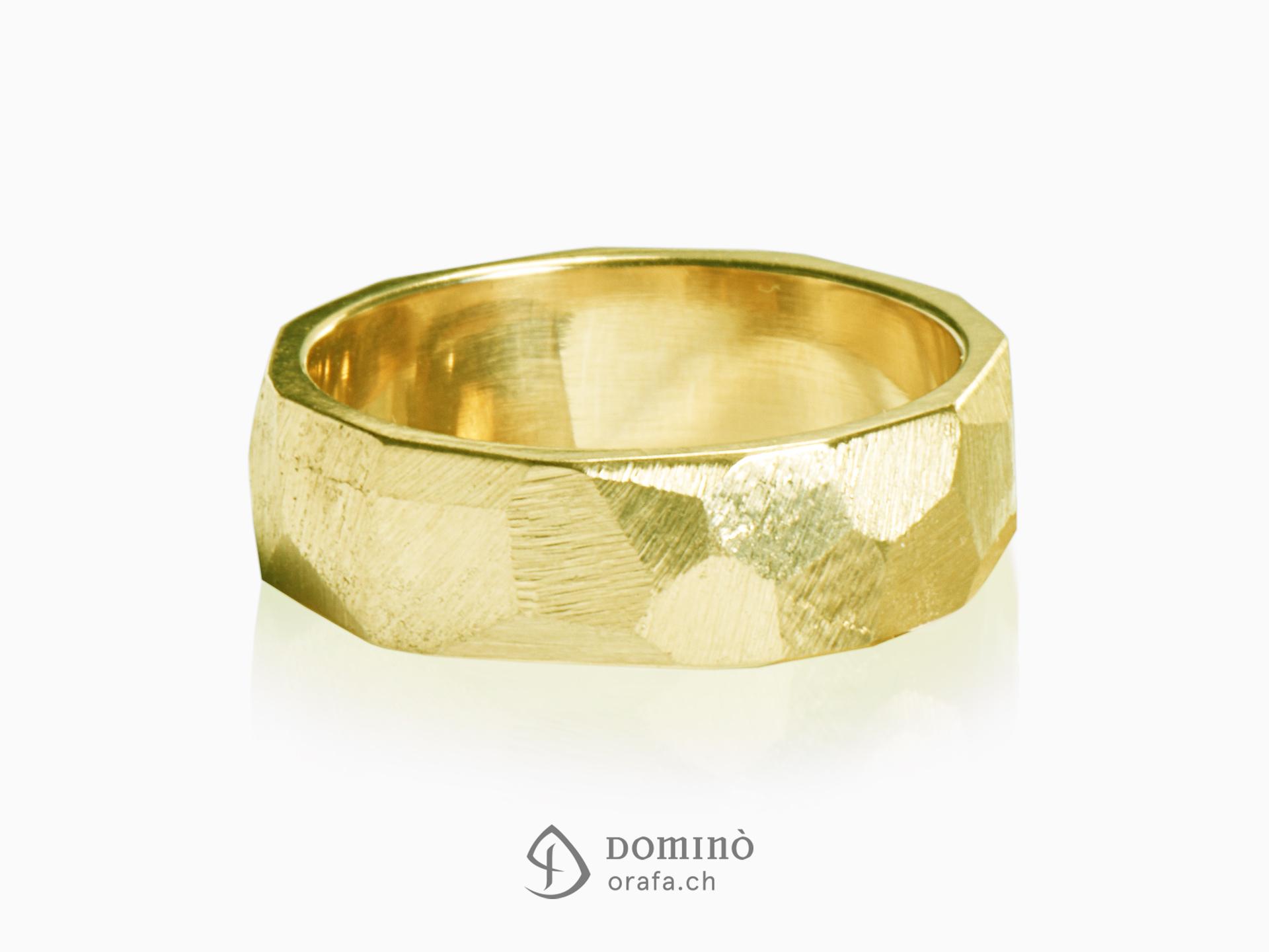 Sfaccettati rings