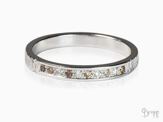 anello-10-diamanti-incolore-cognac-brown-oro-bianco