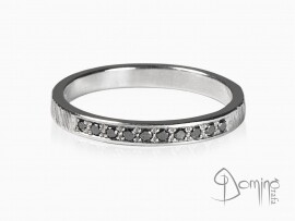 anello-10-diamanti-neri-oro-bianco