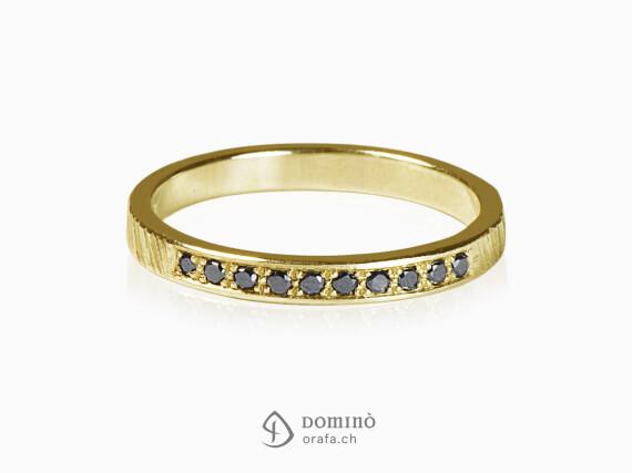 anello-10-diamanti-neri-oro-giallo