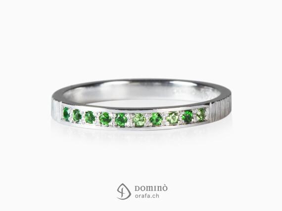 anello-10-tsavoriti-sfumature-oro-bianco