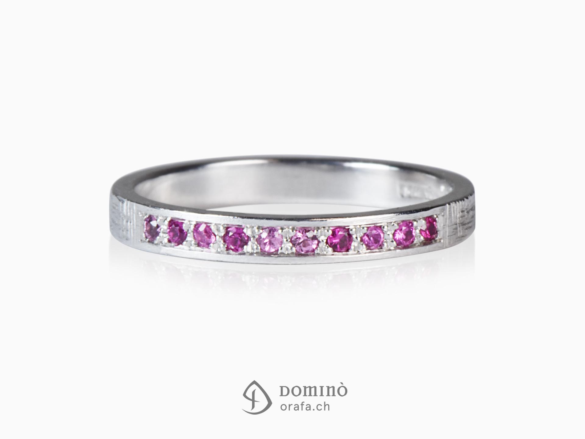 Anello con 10 zaffiri rosa