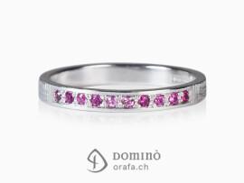 anello-10-zaffiri-rosa-sfumatura-oro-bianco