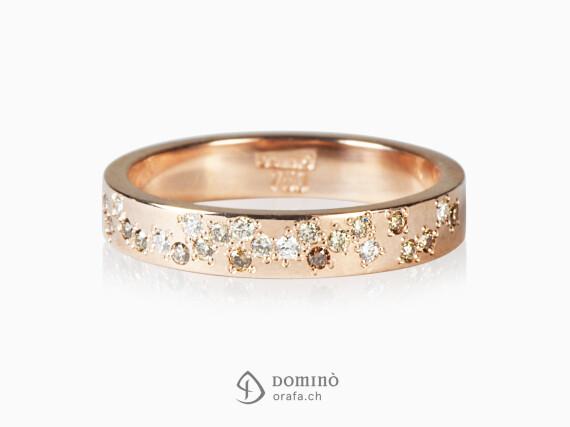 anello-24-diamanti-incolore-cognac-brown-irroglari-oro-rosso