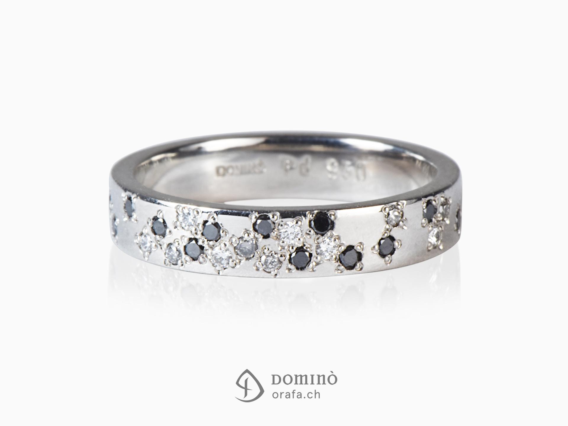 Anello con diamanti incolore, neri e grigi