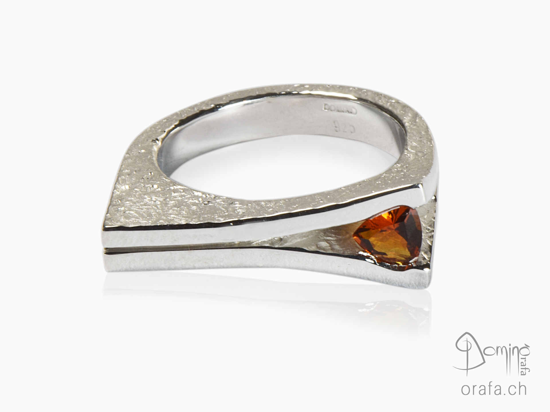 Ring with citrine