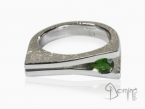 Ring with drop chrome diopside Sterling silver