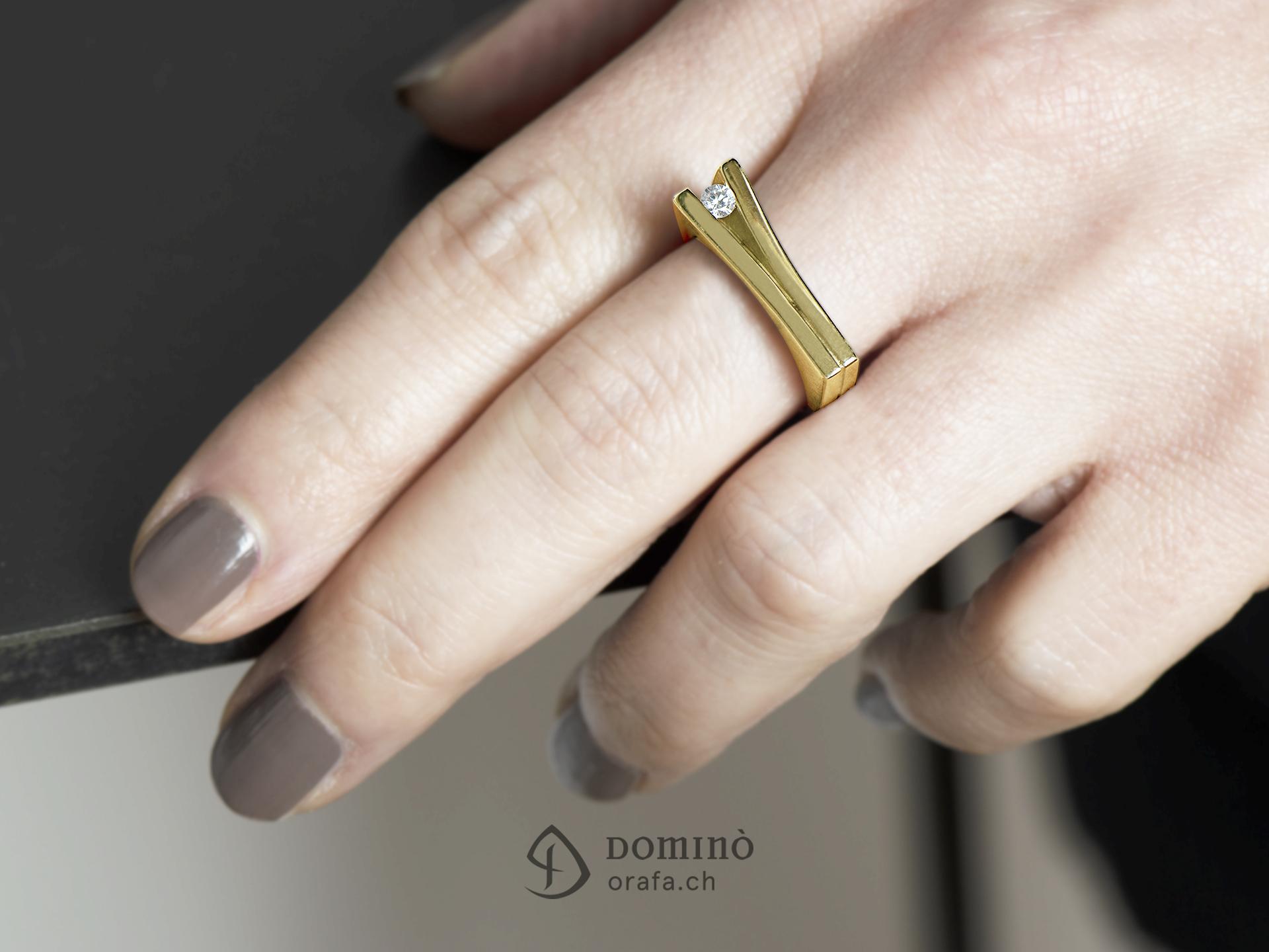 Anello con diamante 3
