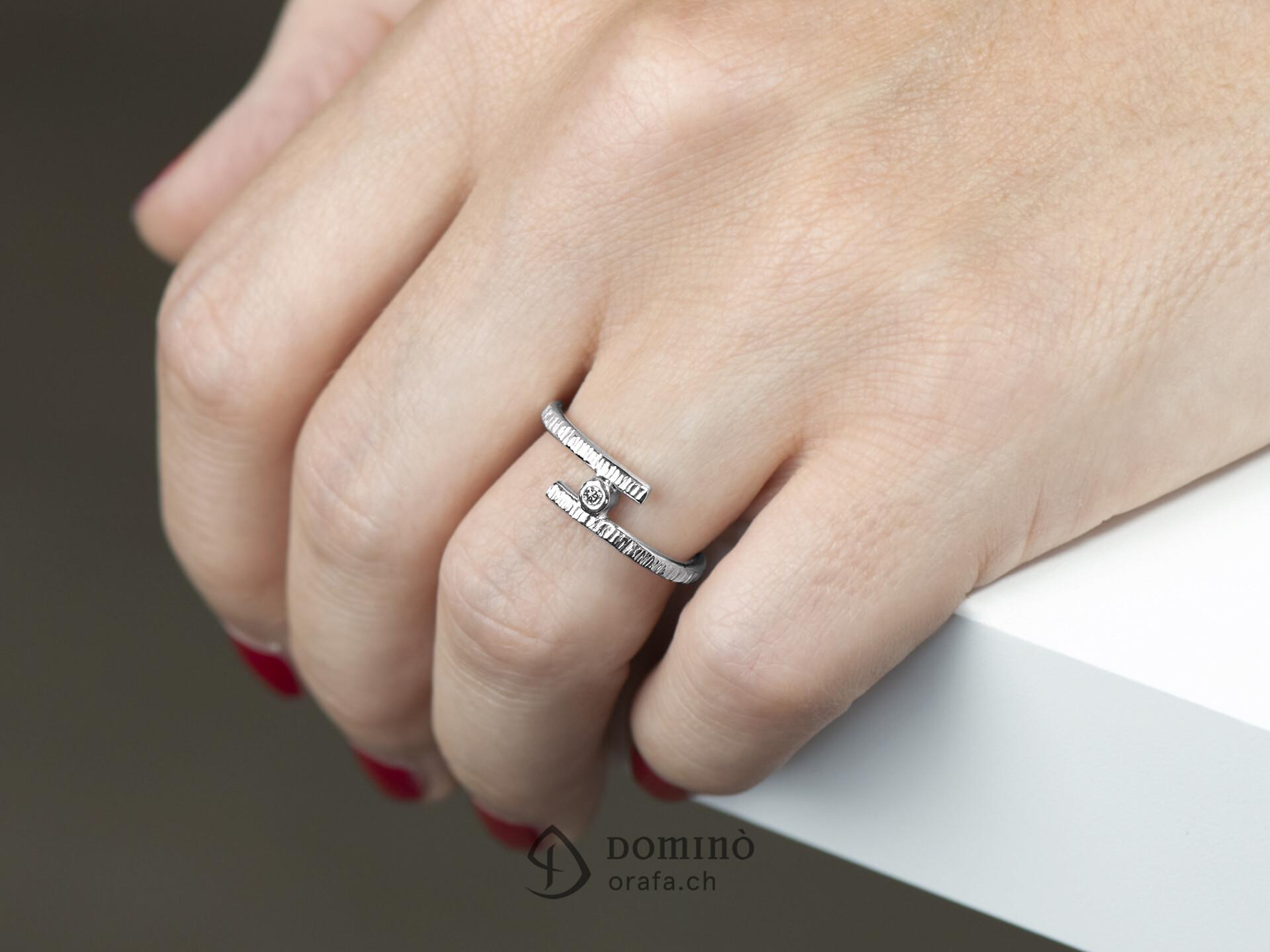 anello-aperto-linee-diamante-1