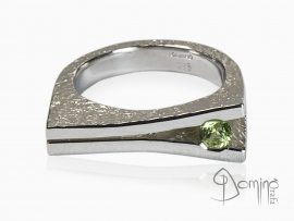 anello-aperto-peridoto-rotondo-argento