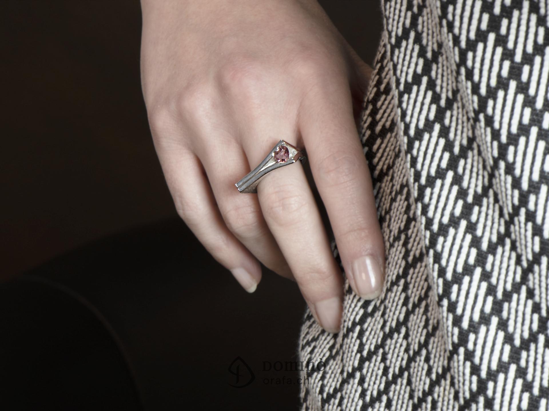 anello-aperto-tormalina-rosa-cuore-2