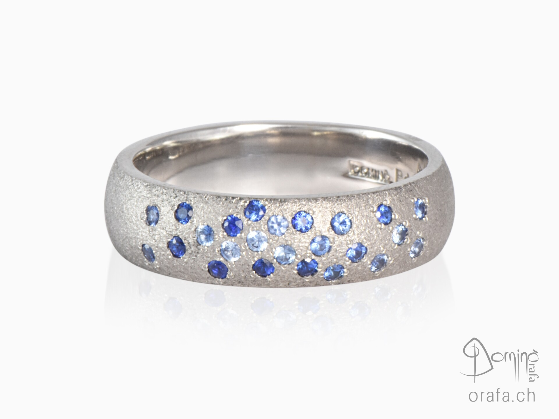 Blue Sapphires ring