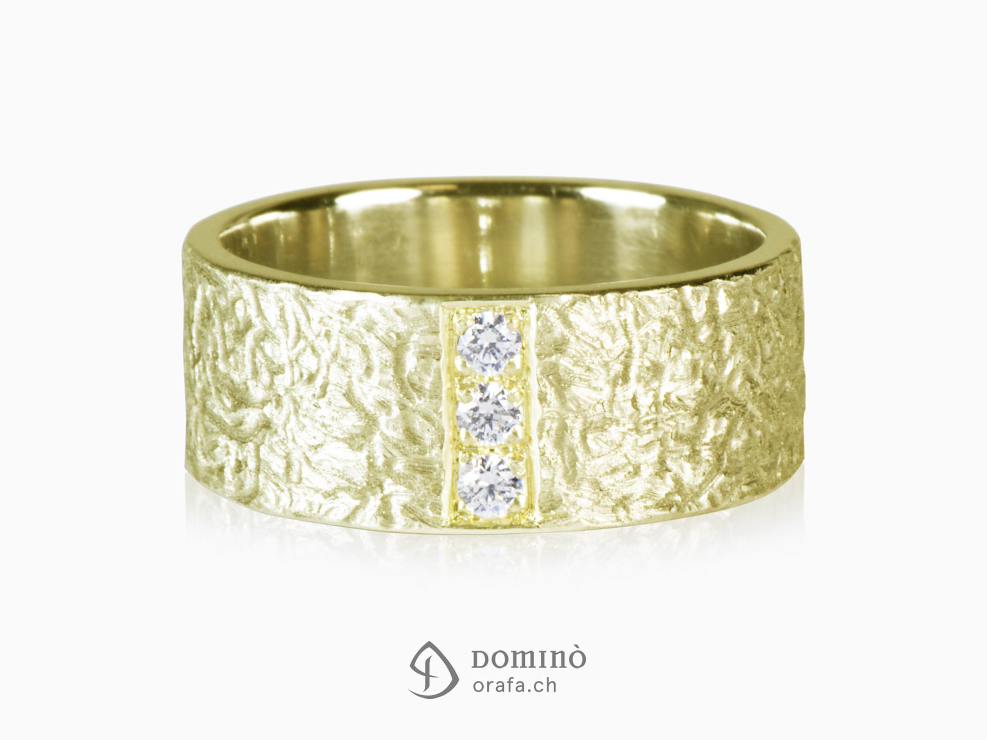 Corteccia ring with diamonds