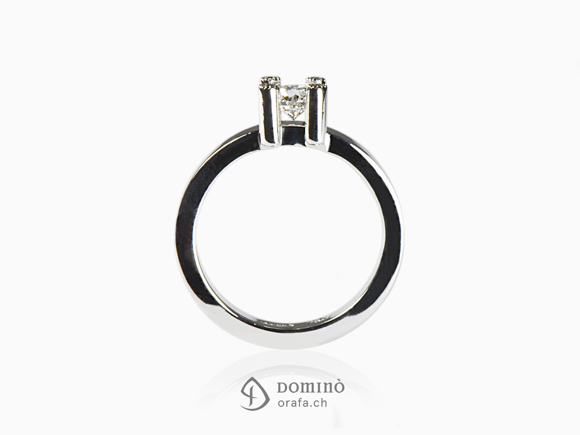 Anello con 5 diamanti 1