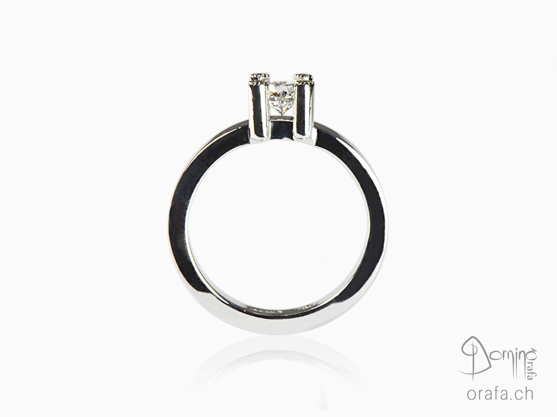 anello-diamante-centrale-4-diamanti-griffes-1