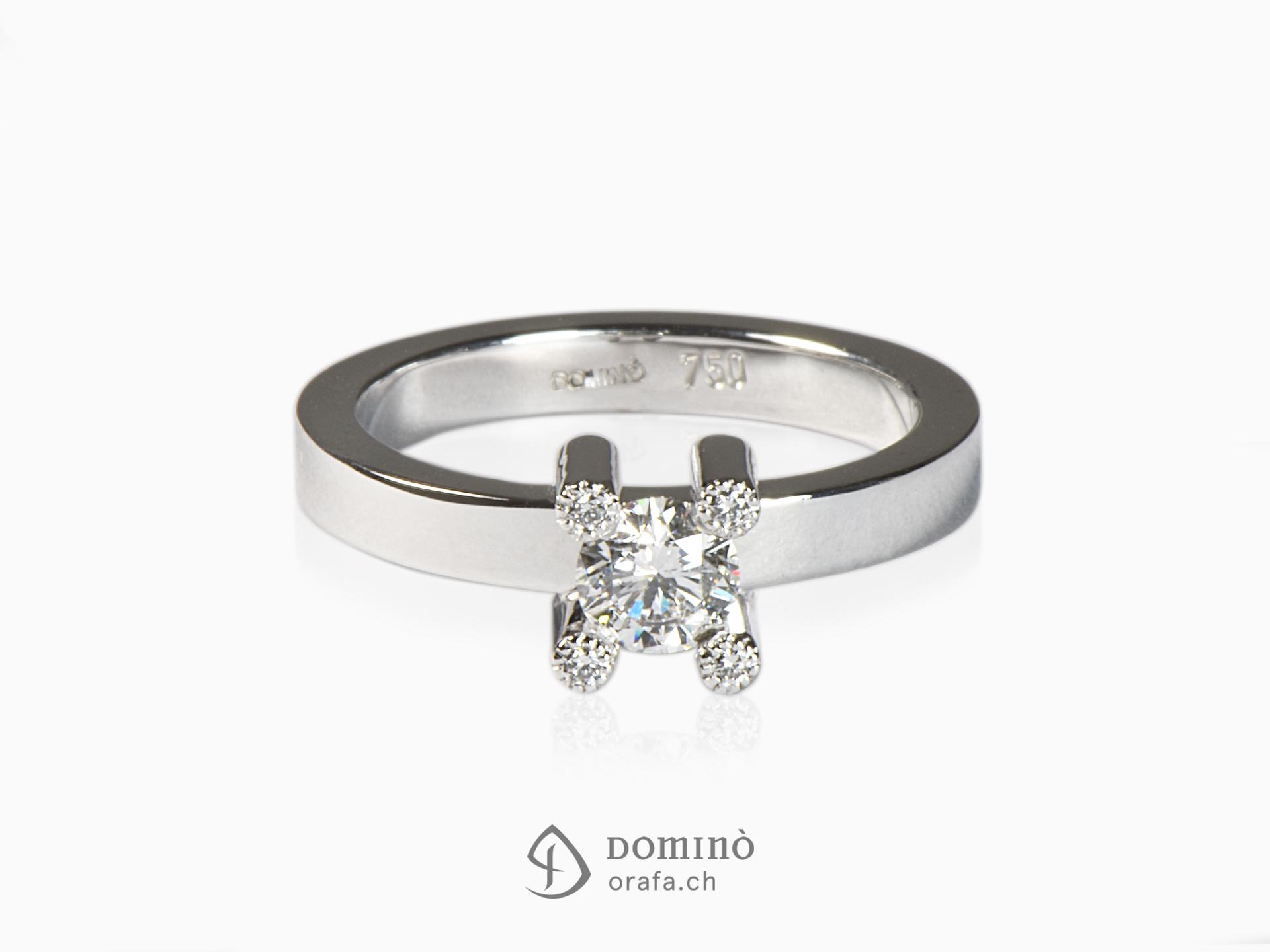 Anello con 5 diamanti