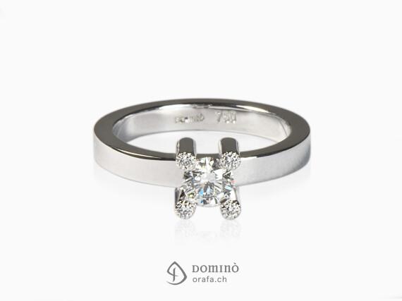 anello-diamante-centrale-4-diamanti-griffes-oro-bianco