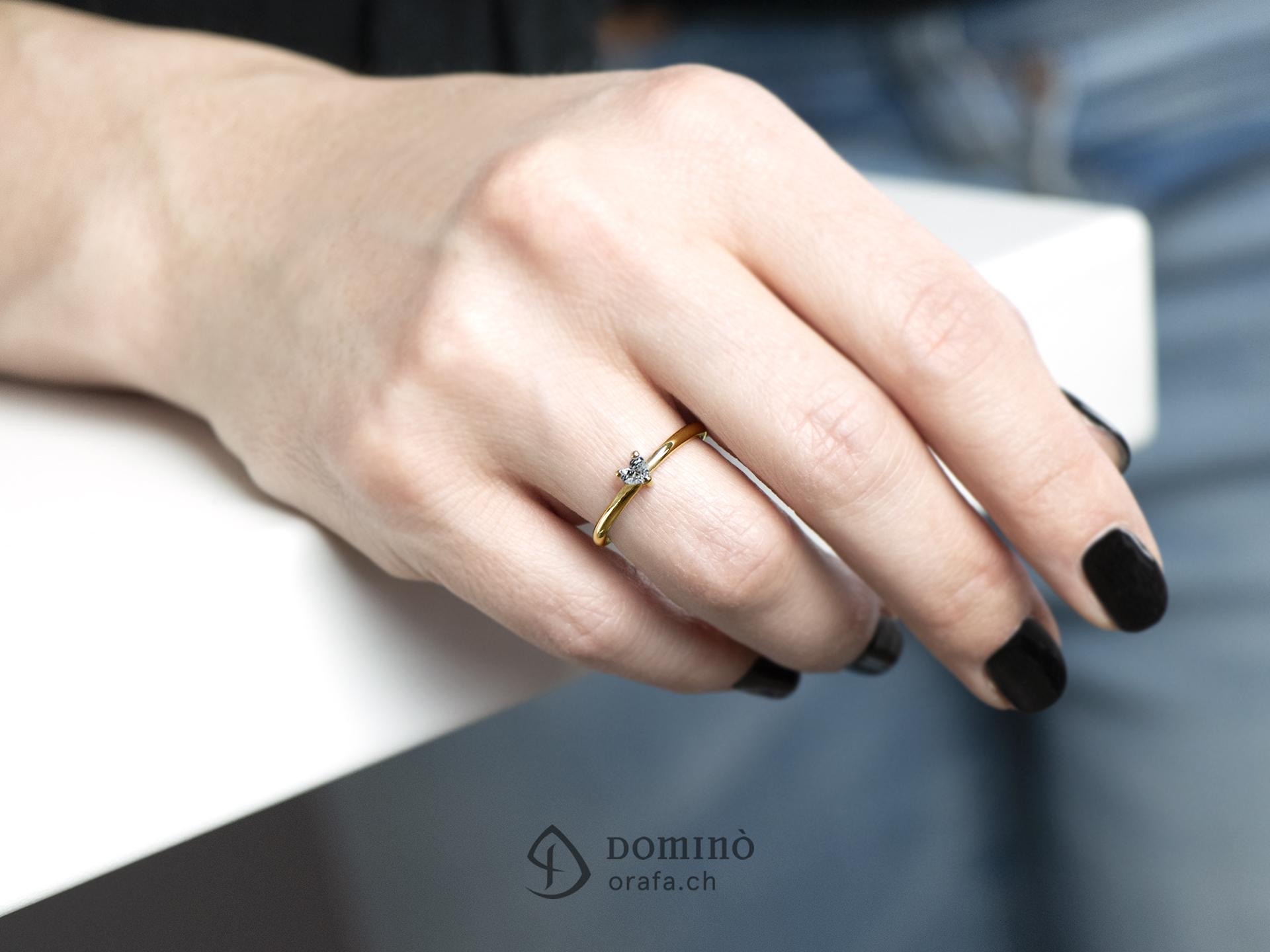 anello-diamante-cuore-piccolo-2