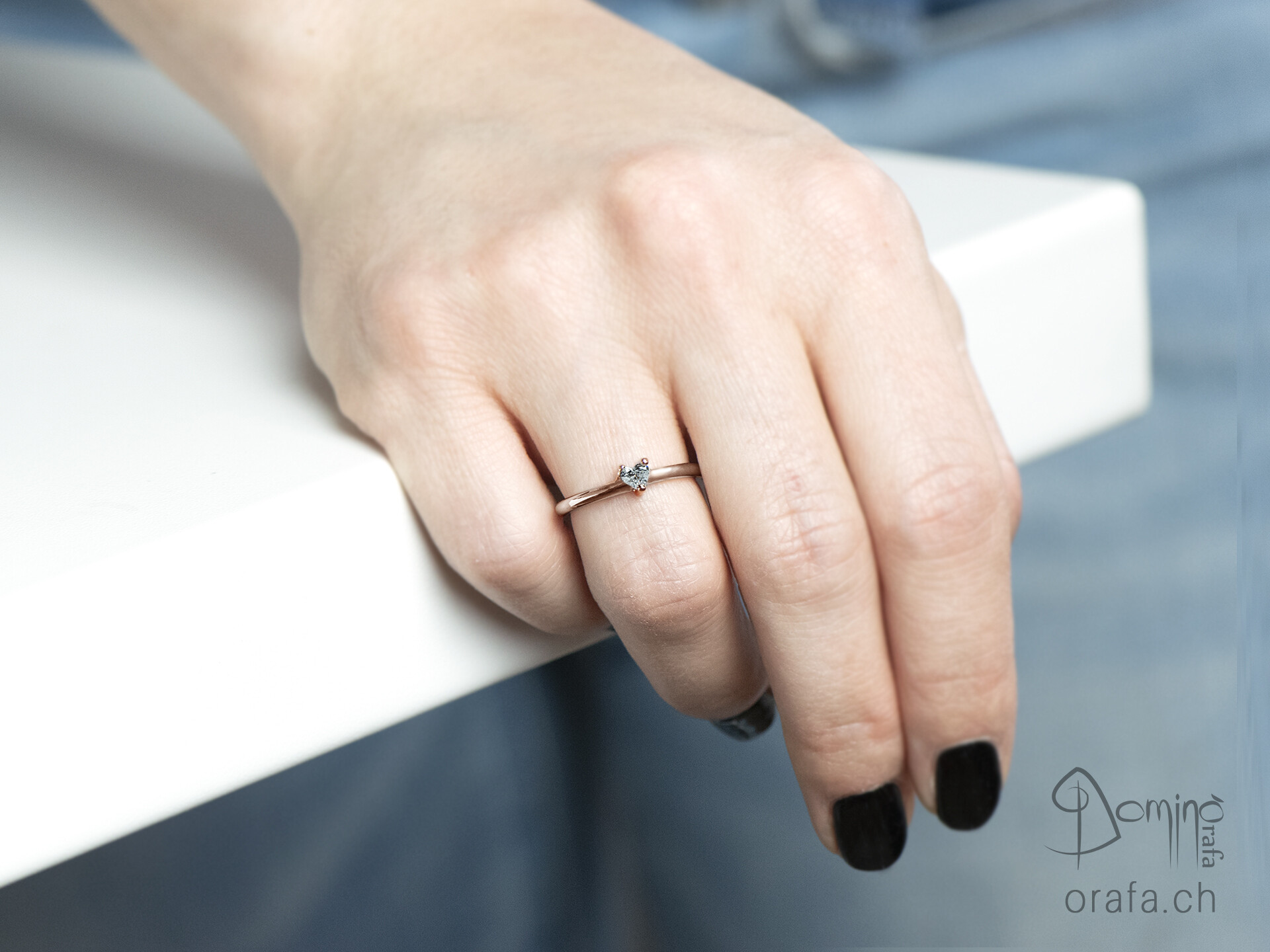 anello-diamante-cuore-piccolo-3
