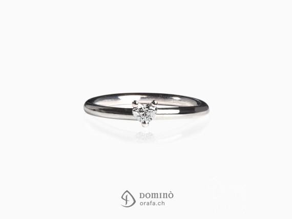 anello-diamante-cuore-piccolo-oro-bianco