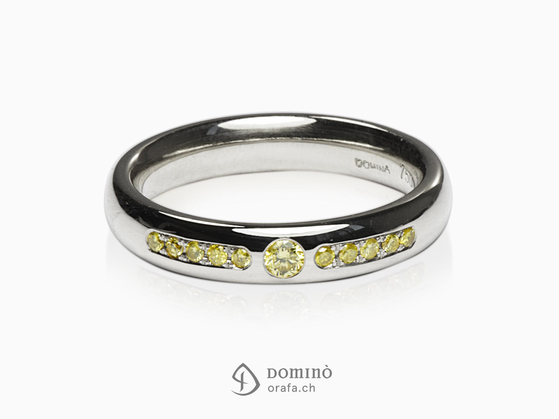 Anello con diamanti gialli