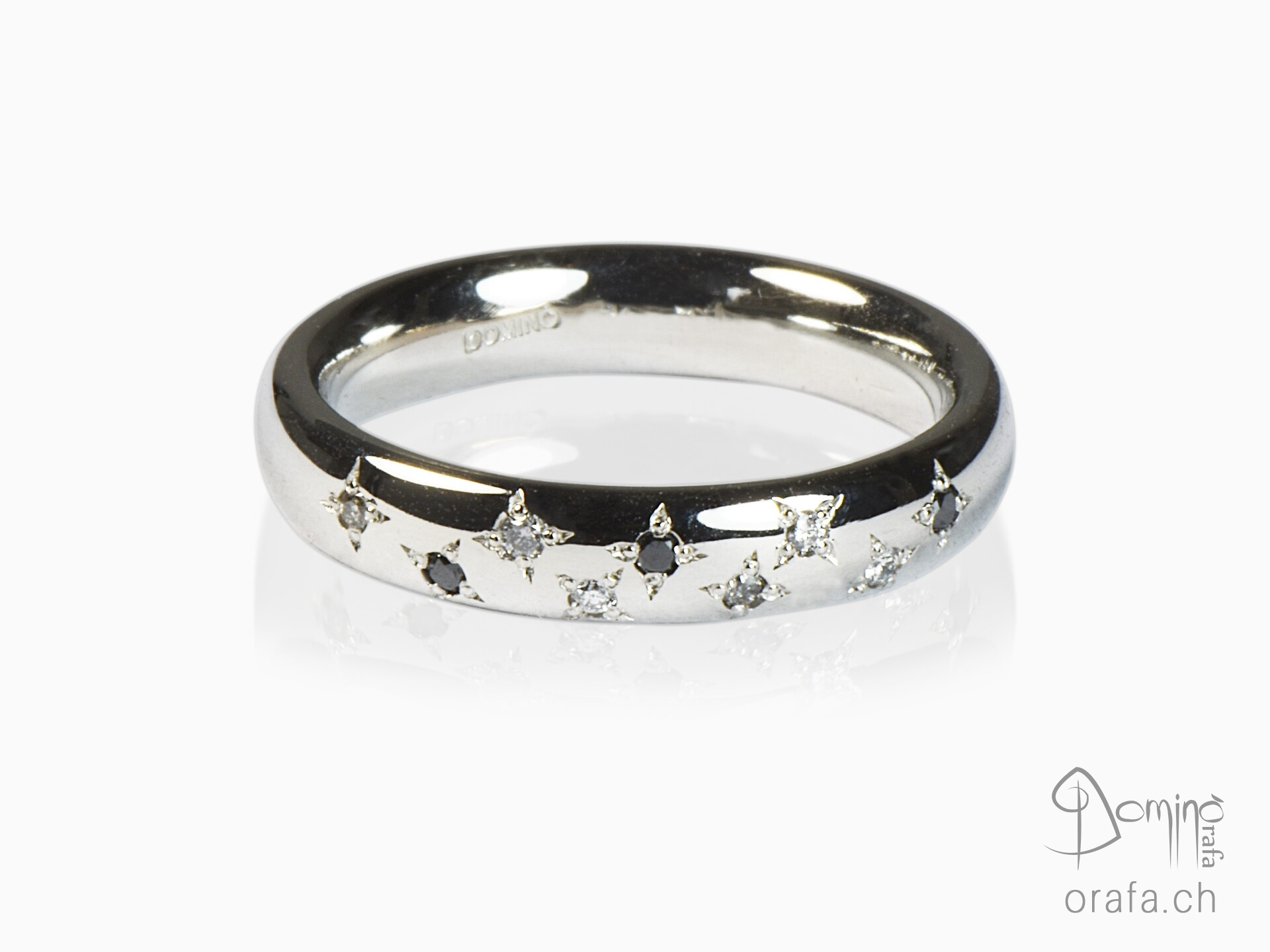 Stars of diamonds ring
