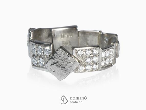 anello-frammenti-pave-diamanti-oro-bianco