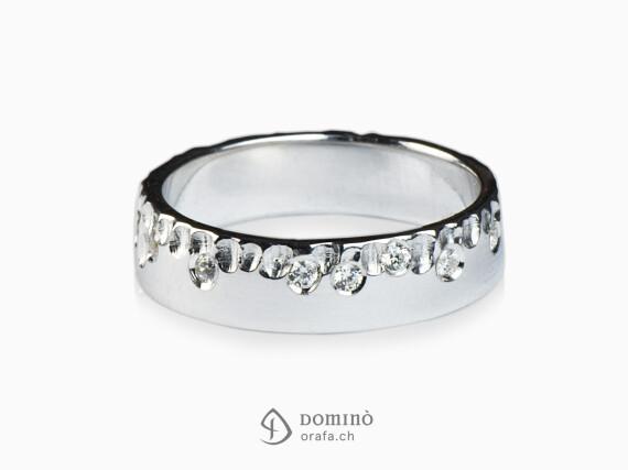 anello-gocce-lucido-diamanti-sparsi-oro-bianco