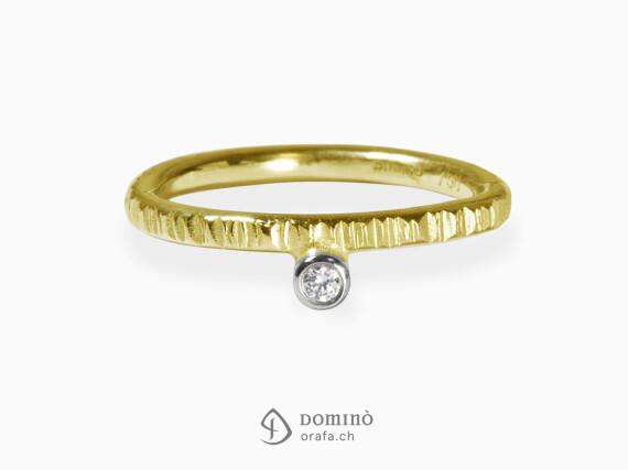 anello-linee-diamante-0.03ct-oro-giallo