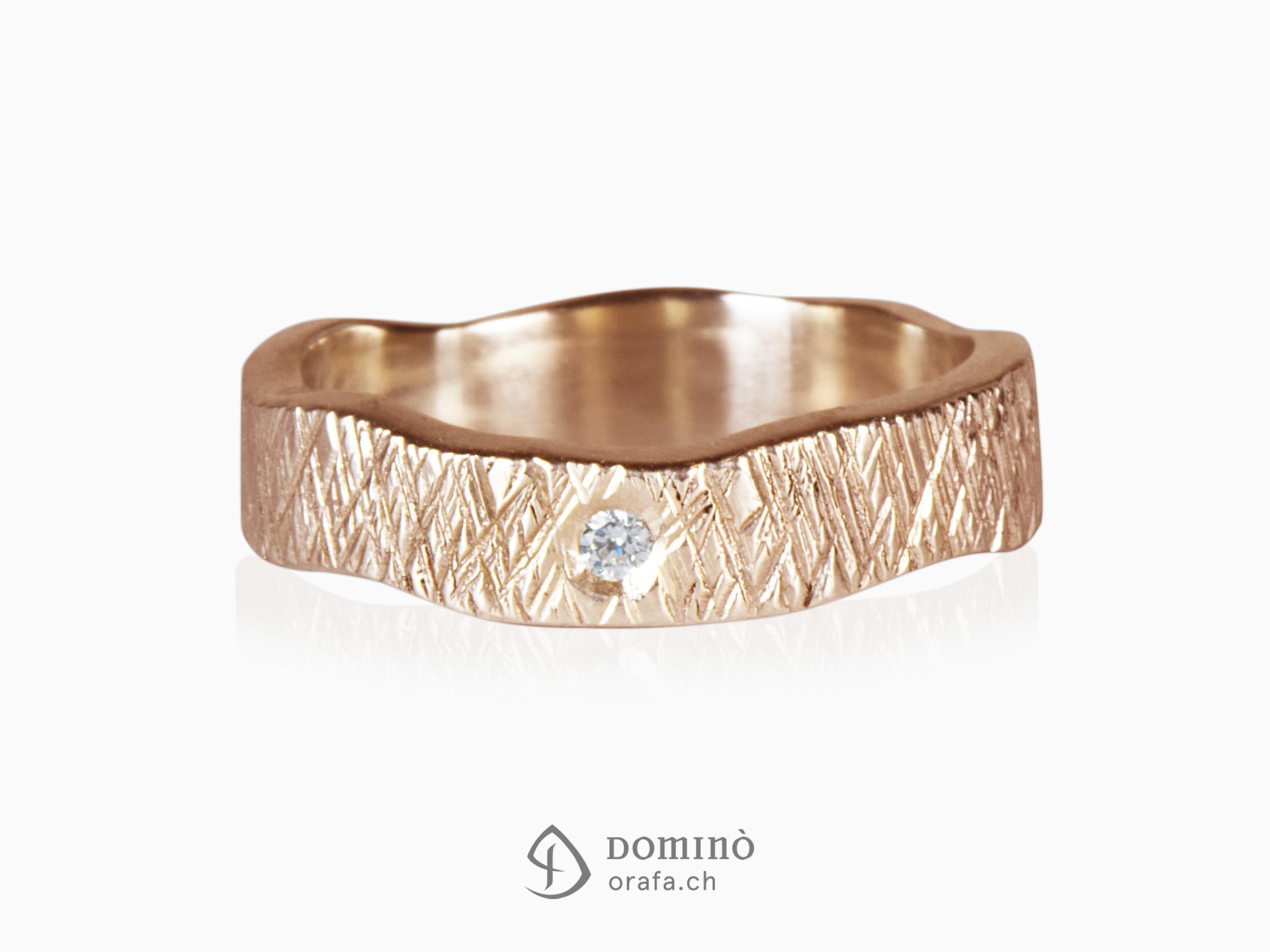 anello-linee-incrociate-irregolare-diamante-oro-rosso