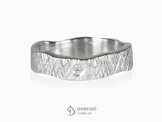 anello-linee-incrociate-irregolare-diamante-oro-bianco