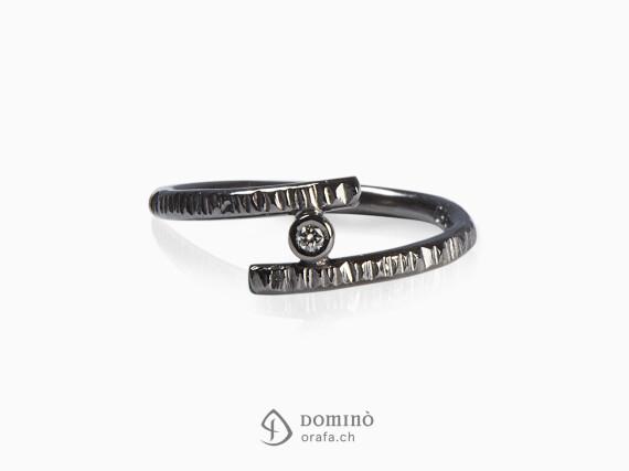 anello-linee-rodiato-nero-diamante-0,03ct-oro-bianco