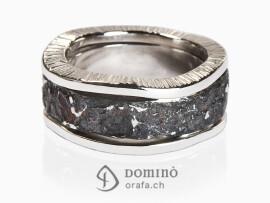 anello-oceano-ferro-metallo-prezioso-bordi-irregolari-oro-bianco