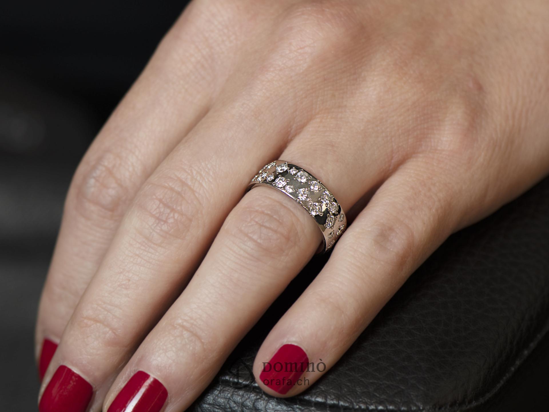 anello-pioggia-43-diamanti-div-giro-2