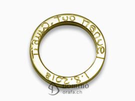 anello-quadrato-lucido-incisione-bordo-oro-giallo