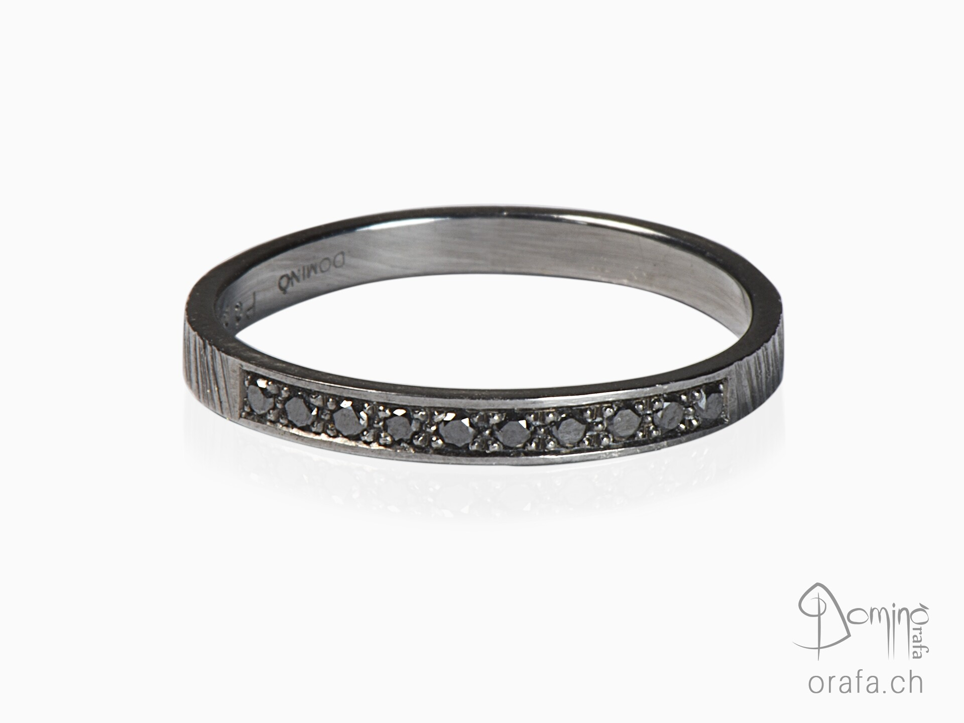 Black rhodiated ring with black diamonds